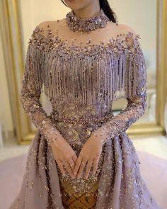 Fashion dresses, Kebaya dress, Dresses, Elegant dresses, Hijab dress, Gowns dresses - Gambar mungkin berisi satu orang atau lebih dan orang berdiri - #Fashiondresses