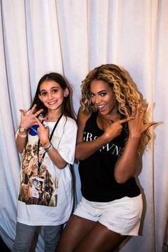 Beyonce with a fan