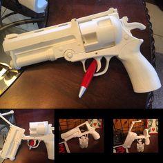 Hellboy pistol. #hellboy #comic #comics #3D #3dprint #3dprints #3dprinted #3dprinter #3dprinting #printer #printing #ighub #igdaily #dailypic #instagood #instadaily #instaprints #hell #boy #gun #pistol by loudmouth3dprinting