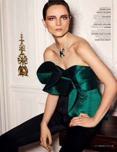 #Vogue_Russia_2017_01 / «Вечерний звон» / #Jason_Kim (фото) #Katerina_Zolototrubova (стиль)