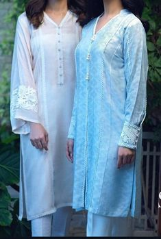 Simple Kurta Designs, New Kurti Designs, Kurta Designs Women, Kurti Designs Party Wear, Pakistani Fashion Casual, Pakistani Dresses Casual, Fancy Dress Design, Stylish Dress Designs, Kurti Embroidery Design