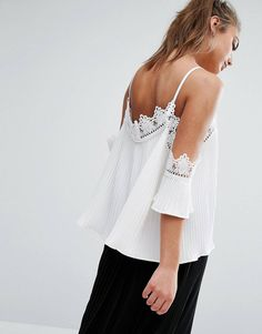 Cute easy off the shoulder with trim