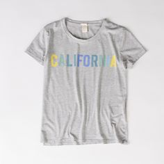 #onlinestore #online #tshirt #women #womencollection #levis #levi #levistshirt #levisstrauss #grey #print #printtshirt #california #calilove #perfect #tee #summer #summercollection #ss15