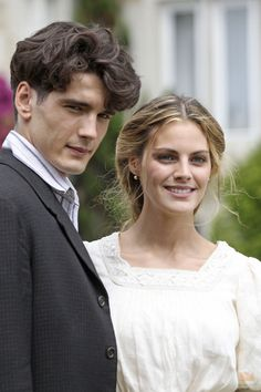 """Gran Hotel"" Spanish mystery drama series often compared to Downton Abbey, set around the same time and it's loads better than DA Series Movies, Tv Series, Drama Series, Romance, Pretty People, Beautiful People, Grande Hotel, Culture Pop, A Writer's Life"