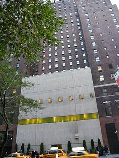 The Hudson Hotel  356 West 58th Street  Blair throws a party full of strangers in a failed attempt to impress Lord Marcus Beaton's family. Dan and Serena make out in the hallway; Nate and the Duchess do it on the floor. (Ep 202)