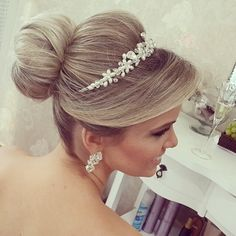 Simples e Lindoo Wedding Hairstyles Half Up Half Down, Wedding Hairstyles For Long Hair, Formal Hairstyles, Bride Hairstyles, Short Wedding Hair, Wedding Hair And Makeup, Wedding Updo, Bridal Hair, Evening Hairstyles