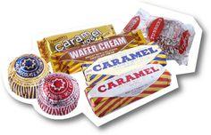 Tunnock's caramel wafers, teacakes, snowballs, caramel logs & wafer creams - delicious and moreish. Kit Kat Flavors, Irn Bru, Food Posters, Glasgow Scotland, Tea Cakes, Christmas 2019, Yummy Treats, Childhood Memories, Brave