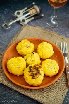 Bulz de peste Muffin, Breakfast, Food, Mariana, Morning Coffee, Essen, Muffins, Meals, Cupcakes