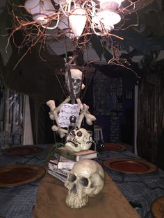 Voodoo Swamp Halloween 2015 my own props Magalie Sarnataro Halloween Prop, Halloween 2015, Swamp Party, Haunted Hotel, Hallows Eve, Tablescapes, Mantles, Hocus Pocus, Skeletons