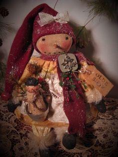 Primitive Folk Art Winter Snowman Snowgirl Doll~Vintage Jello Mold~Snowman #NaivePrimitive #DustpanDolliesbyPaula