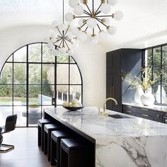 Top Three Kitchen Trends of 2018 Modern Kitchen Design Kitchen Top Trends House Inspiration, House Design, Interior, Home Decor Kitchen, Kitchen Interior, Beautiful Kitchens, Home Decor, Kitchen Style, House Interior