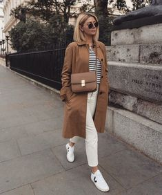 Fall Fashion Best Celine Bags: Emma Hill wears a Celine Classic bag Mode Outfits, Casual Outfits, Fashion Outfits, Womens Fashion, Fashion Tips, Fashion Trends, Look Fashion, Winter Fashion, Cheap Fashion