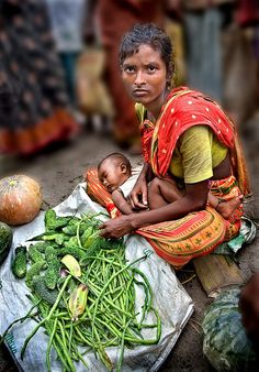 Micro Market - Dhaka mother and child, Bangladesh (photo won 1st prize in the Agriculture & Rural Development photo contest at the World Bank)