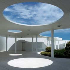 Beach Club with wow roof- offers shade  sun/sky view