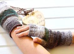 @knittedmood Handmade fingerlessgloves