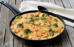 Kreolsk laksepanne - LINDASTUHAUG Scampi, Thai Red Curry, Quinoa, Ethnic Recipes, Sun