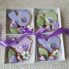 Милые подарки для милых дам.  Коробочка 12х12. Птичка 10 см и 4 маленьких пряника.