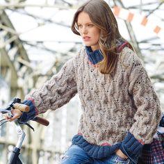 Свободный свитер с рельефным узором - схема вязания спицами. Вяжем Свитеры на Verena.ru