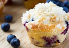 Blueberry Streusel Muffins - Natvia - 100% Natural Sweetener Sugar Free Blueberry Muffins, Blueberry Streusel Muffins, Blue Berry Muffins, Healthy Sugar, Healthy Treats, Sugar Free Pastries, Streusel Topping, Food Articles, Sugar Free Recipes