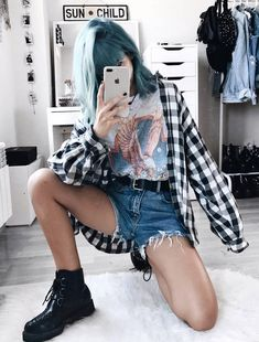 Flannel shirt with vintage graphic tee, denim shorts & creeper boots by deaddsouls Check out these awesome 50 edgy grunge looks and get inspired! Grunge Look, Mode Grunge, 90s Grunge, Grunge Style, K Fashion, Grunge Fashion, Fashion Outfits, Fashion Trends, Womens Fashion