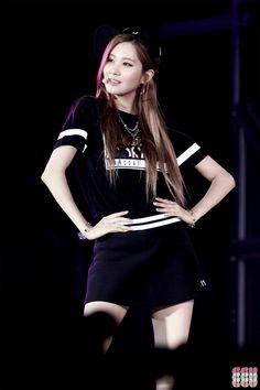 Seohyun in black