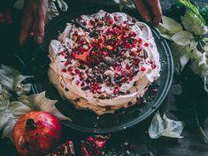 joulupavlova Anna Pavlova, Irish Cream, Xmas, Christmas, Acai Bowl, Camembert Cheese, A Food, Baking, Breakfast
