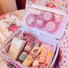 Wow! Use a pretty lunchbox for travel storage... Good to know