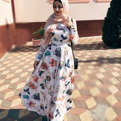 Muslim Girls, Muslim Women, Abaya Fashion, Muslim Fashion, Celebrity Fashion Outfits, Celebrity Style, Hijab Style Tutorial, Mode Hijab, Hijab Outfit
