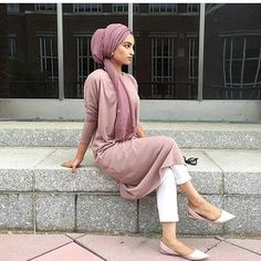 Turban is sophisticated technique of covering head with simple scarf. It just a style of wearing sca Islamic Fashion, Muslim Fashion, Modest Fashion, Hijab Fashion, Fashion 2018, Modest Wear, Modest Dresses, Modest Outfits, Mode Turban