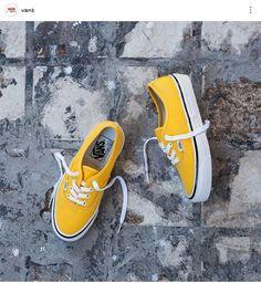 Vans amarelo♥♥♥ insta: @vans Yellow Vans, Yellow Sneakers, Yellow Shoes, Vans Sneakers, Vans Shoes, Boat Shoes, Cute Vans, Christmas Shoes, Sneakers Fashion Outfits