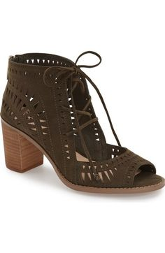 846389e27 Main Image - Vince Camuto  Tarita  Cutout Lace-Up Sandal (Women)