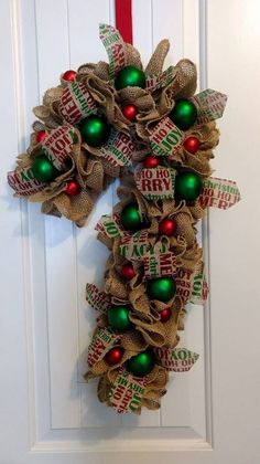 X mas decorations Wreath Crafts, Diy Wreath, Holiday Crafts, Wreath Ideas, Tulle Wreath, Christmas Mesh Wreaths, Deco Mesh Wreaths, Winter Wreaths, Burlap Wreaths