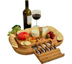 Picnic at Ascot-Deluxe Malvern Cracker and Cheese Servng Board