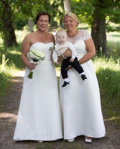 Ett första smakprov från Anna & Erikas bröllop idag. Tack för att jag fick vara med på er dag! #erikaanna2016 #tinnerö #meralink #linköping #bjärkasäby #bröllopsfotograf #bröllop2016 #bröllop2017 #linköpinglive #linköping #visitlinköping #wedding # weddingday #bride #lkpg #igsweden #igscandinavia #bröllopsinspiration #bröllopsfotograf #jonas_fotograf #sweden #ilovesweden