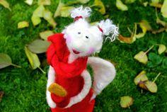 Traudi...großer, gefilzter Weihnachtsengel  von Frau Brunsels Filz auf DaWanda.com
