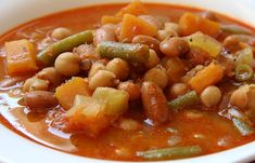 The best Spanish Food: grypsy stew from Murcia, made with a large variety of ingredients, this incredible vegetarian stew is excellent for any time of the year. Learn how to make Olla Gitana. Best Spanish Food, Vegetarian Stew, Food Now, Marmite, Fall Treats, International Recipes, Salads, Vegan, Dishes
