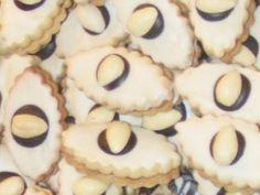 Cukroví Kočičí oči Christmas Goodies, Christmas Baking, My Dessert, Dessert Recipes, Home Recipes, Bottle Crafts, Biscotti, Sweet Tooth, Cheesecake