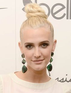 10 Hairstyles That Make You Look 10 Pounds Thinner     Heightened Updo A vertical updo like Ashlee Simpson's topknot adds length to the face and brings attention upward.