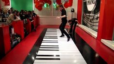 This Is Some Performance! They're Playing The Floor Piano At Super Speed http://www.gossipness.com/lifestyle/this-is-some-performance-theyre-playing-the-floor-piano-at-super-speed-674.html