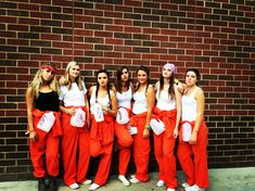 Best halloween costumes for college parties. Easy, DIY, last minute, halloween costumes for groups of college girls.