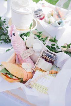 Jillian Harris Baby Shower lunch box featuring VONBON Organic Cotton Burp Cloths in lieu of napkins #babyshower