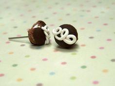 Miniature Food Jewelry Hostess Cupcake Earrings by kawaiibuddies, $18.00