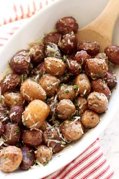 Slow Cooker Herb Roasted Garlic Potatoes | Recipes Worth Repeating