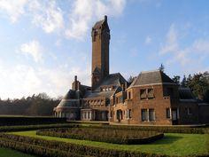 Jachtslot Sint Hubertus op Park de Hoge Veluwe is een hoohgtepunt in het werk ban Berlage