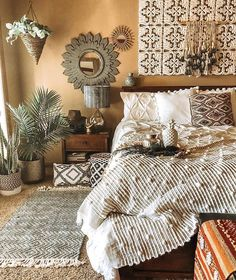Bohemian Bedroom Decor And Bed Design Ideas… – Homedeko – Home Decor Ideas Bohemian Bedroom Decor, Boho Room, Home Decor Bedroom, Boho Decor, Modern Bedroom, Trendy Bedroom, Bohemian Bedding, Tribal Bedroom, Modern Bohemian Bedrooms