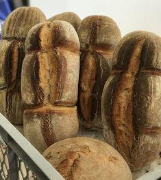 Le Charleston - Breadbull - posted by www. Charleston, Bread, Baking, Pizza, Food, Bread Baking, Play Dough, Brot, Bakken