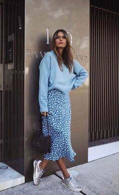 trendy outfits for summer . trendy outfits for school . trendy outfits for women . Apostolic Fashion, Modest Fashion, Skirt Fashion, Fashion Dresses, Spring Work Outfits, Fall Outfits, Outfit Summer, Korean Spring Outfits, Date Outfit Fall
