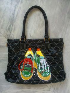 OTINANAI: Τσάντα ... αθλητικά παπούτσια