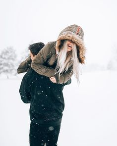 Couple Photoshoot Poses In Snow - Couple