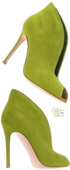 OMG! I'm so in love with these booties www.ScarlettAvery.com